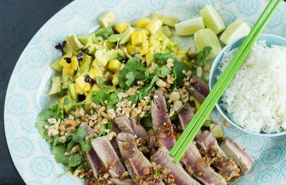 Thunfisch | Avocado | Mango | Koriander | Cashewkerne