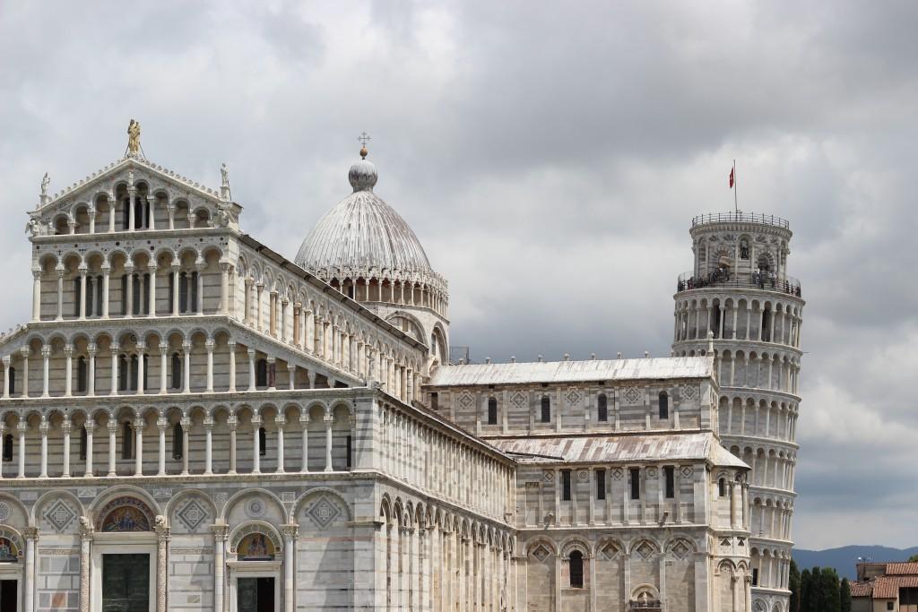 Der Dom und schiefe Turm von Pisa.