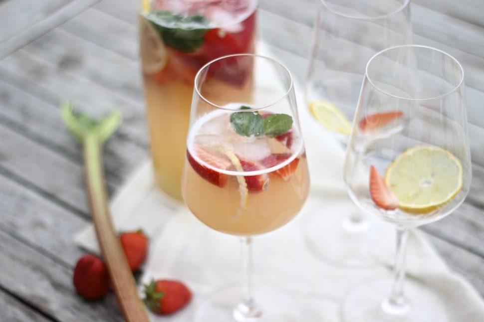Erdbeer-Rhabarber Erfrischung