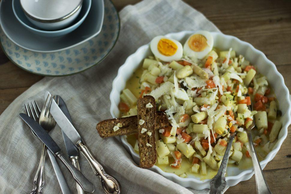 Schneller Spargelsalat mit Ei